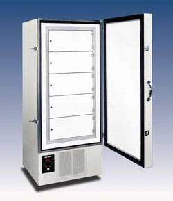 V85-18 Upright Freezer